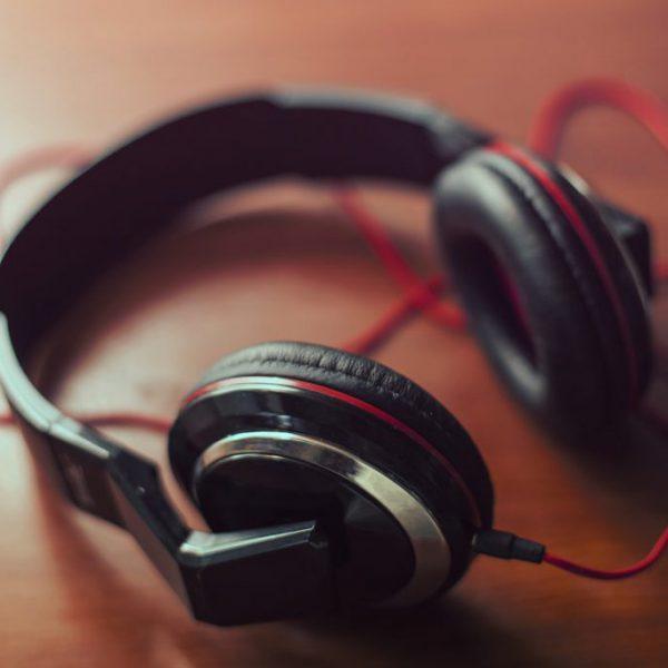 audio-headphone-hearing-mp3-1591