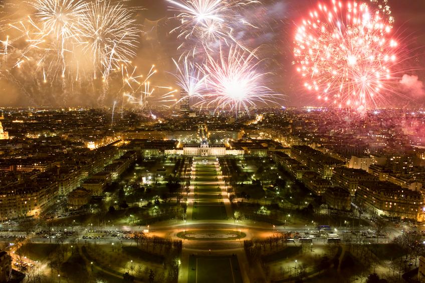 Fuochi d'artificio di Capodanno. Parigi, Francia