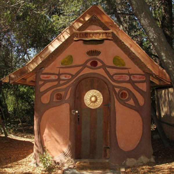 gingerbread-house-california