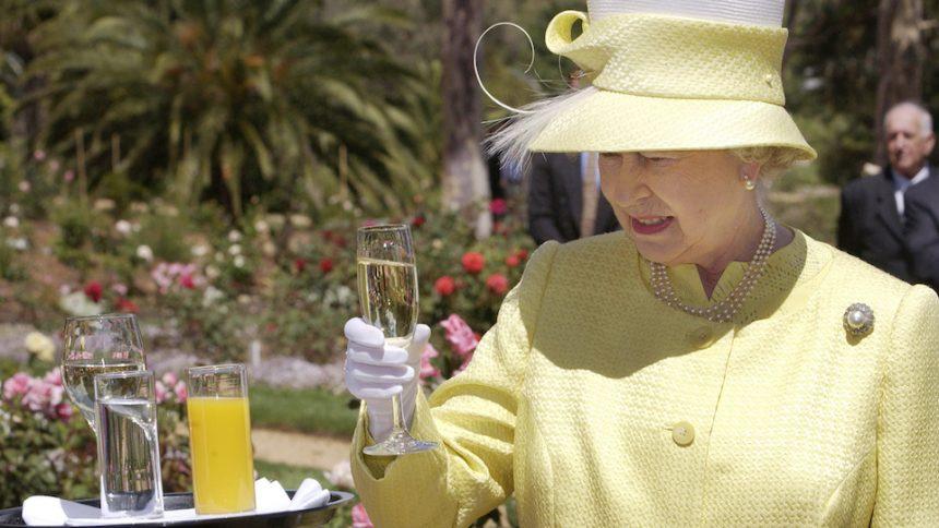 Il vino della regina d'Inghilterra: aperte le prenotazioni per la prossima produzione