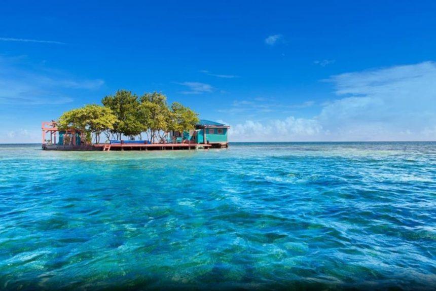 In Belize dormire su un'isola privata costa solo 300 euro a notte