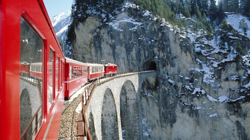 La Svizzera dal finestrino di un treno: il Glacier Express e il Bernina Express