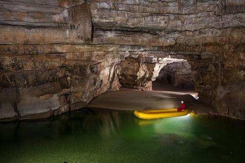 Viaggio in Slovenia tra grotte carsiche, laghi sotterranei, canyon e castelli nella roccia