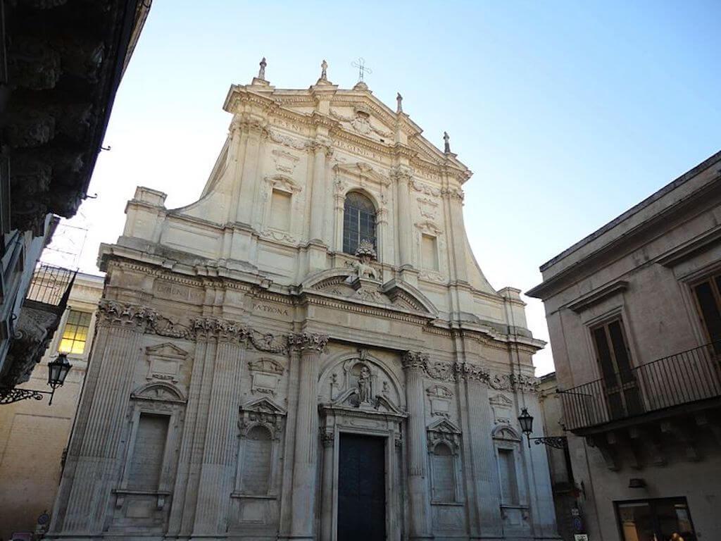 800px-Lecce_Chiesa_di_Sant'Irene_dei_Teatini