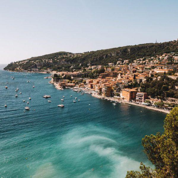 Costa Azzurra in inverno. Coeur Riviera.