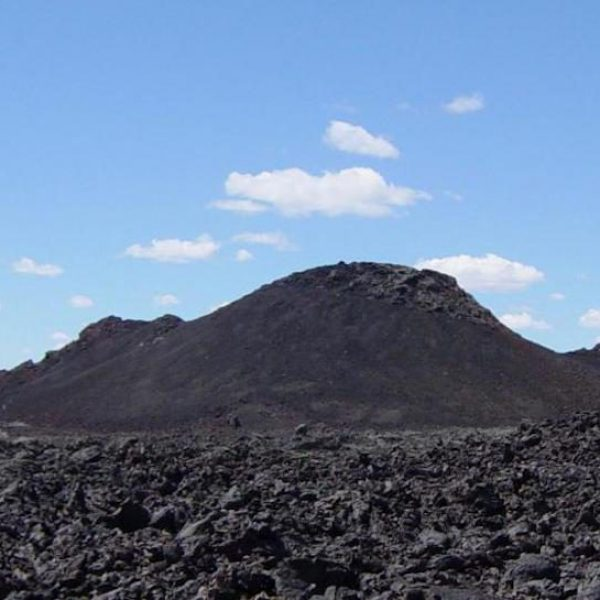Spatter_Cones_at_Craters_of_the_Moon_National_Monument copia