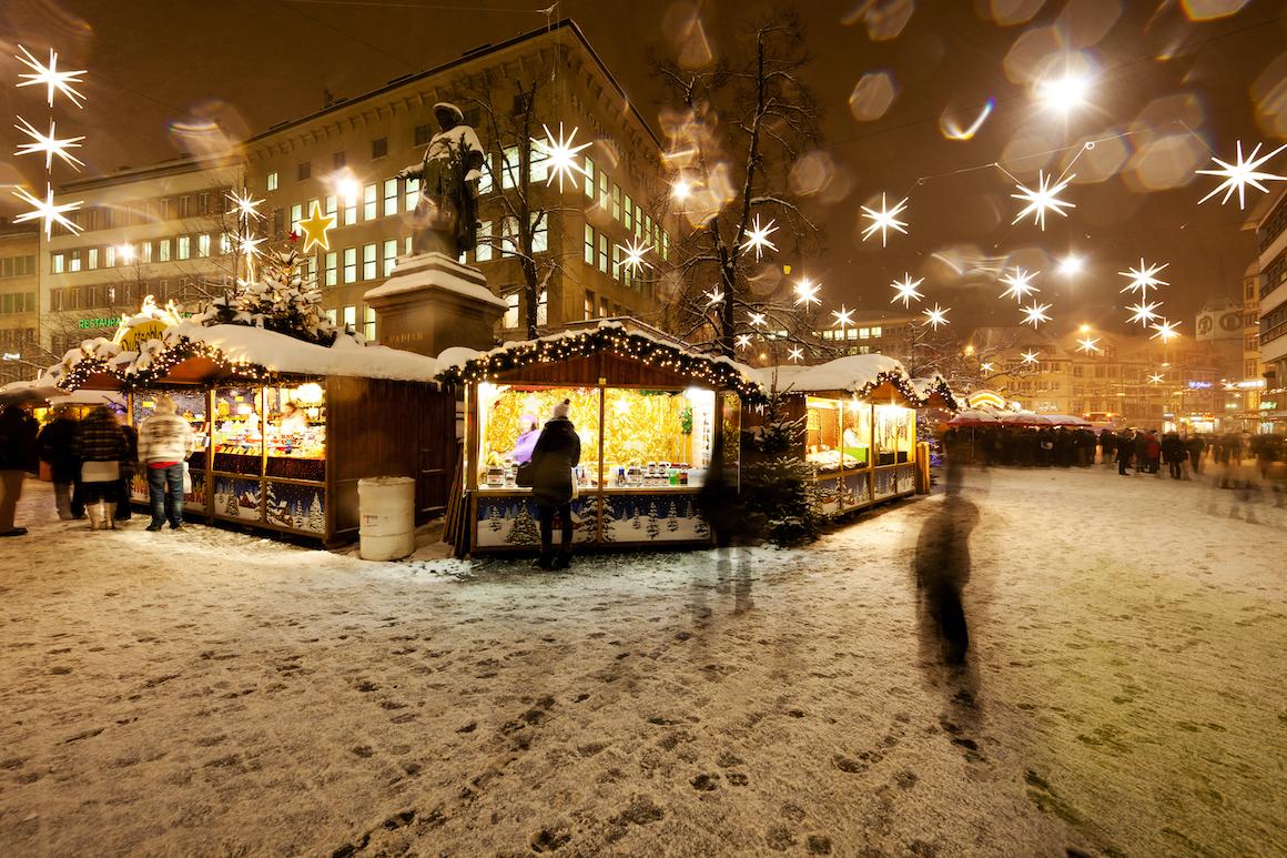 4968 nevicata sui mercatini di natale a s gallo ph ente turismo x v giannella