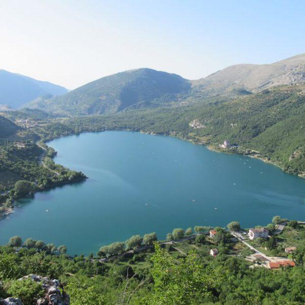 Lago_di_Scanno_dal_Sentiero_del_Cuore_03